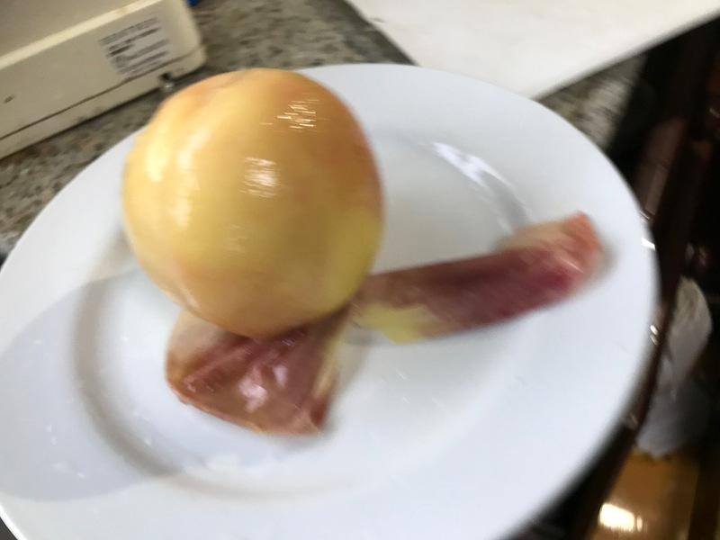 ツルツルの桃